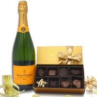 Veuve Clicquot Brut with Godiva 8 Pc Chocolates  Box