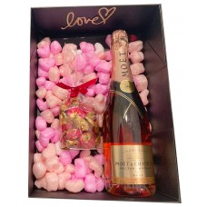 Moet & Chandon Rose Champagne & Chocolates